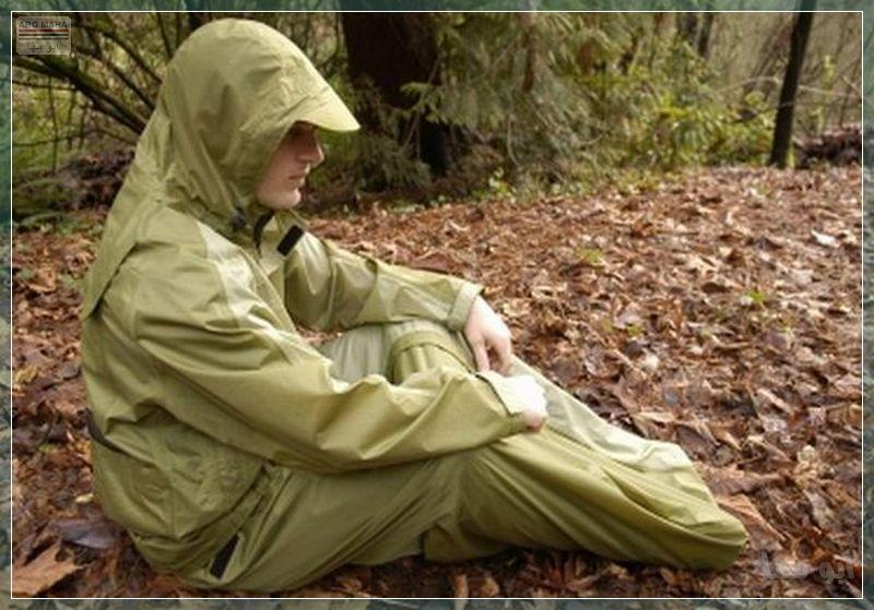 جاكيت عجيب ضد المطر والحشرات