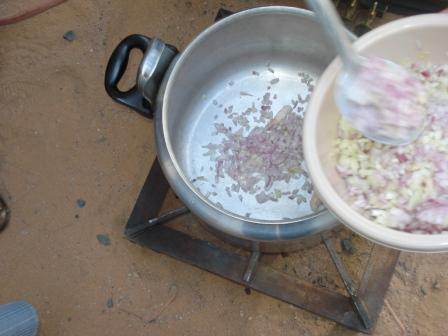 أكلة جديدة باللحمة وبالصور من مطبخ سيدات مصر mk5505_dsc02354.jpg