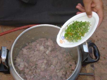 أكلة جديدة باللحمة وبالصور من مطبخ سيدات مصر mk5505_dsc02366.jpg