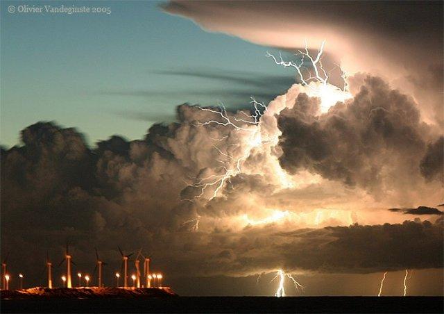 صور الرعد و البرق...سبحان الله