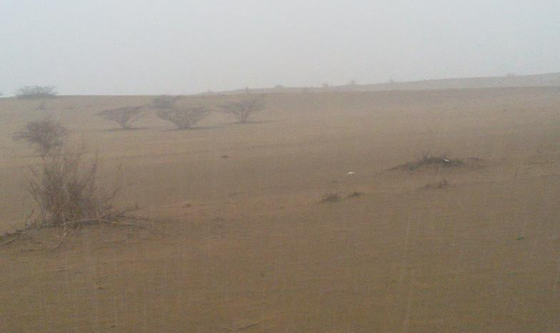 أمطـآر غزيرة وسيـوٍل تقطع الأودية صورة لسيول جنوب مكة) mk98186_11072010109.