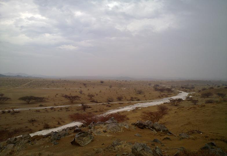 أمطـآر غزيرة وسيـوٍل تقطع الأودية صورة لسيول جنوب مكة) mk98186_11072010127.