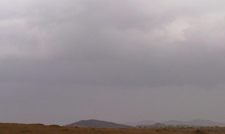 أمطـآر غزيرة وسيـوٍل تقطع الأودية صورة لسيول جنوب مكة) mk98186_11072010170.