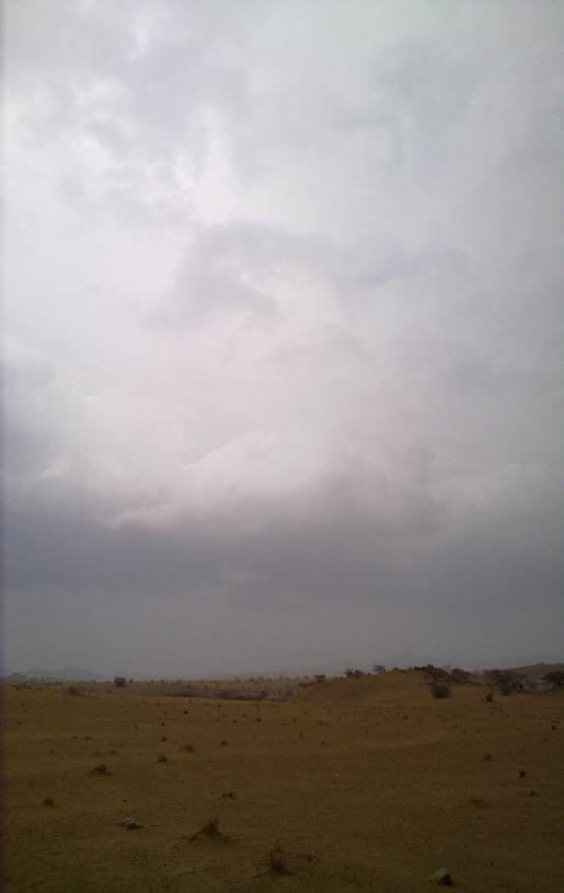 أمطـآر غزيرة وسيـوٍل تقطع الأودية صورة لسيول جنوب مكة) mk98186_11072010173.