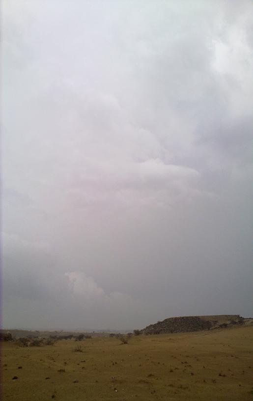 أمطـآر غزيرة وسيـوٍل تقطع الأودية صورة لسيول جنوب مكة) mk98186_11072010174.