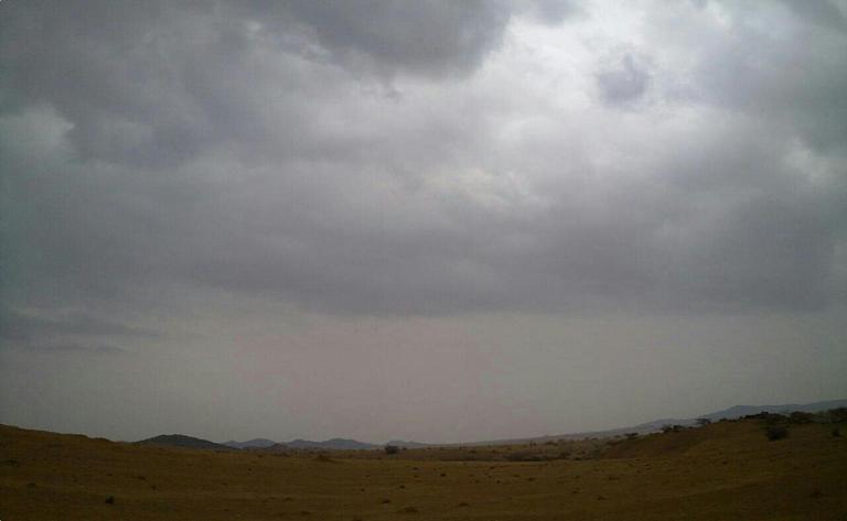 أمطـآر غزيرة وسيـوٍل تقطع الأودية صورة لسيول جنوب مكة) mk98186_11072010182.
