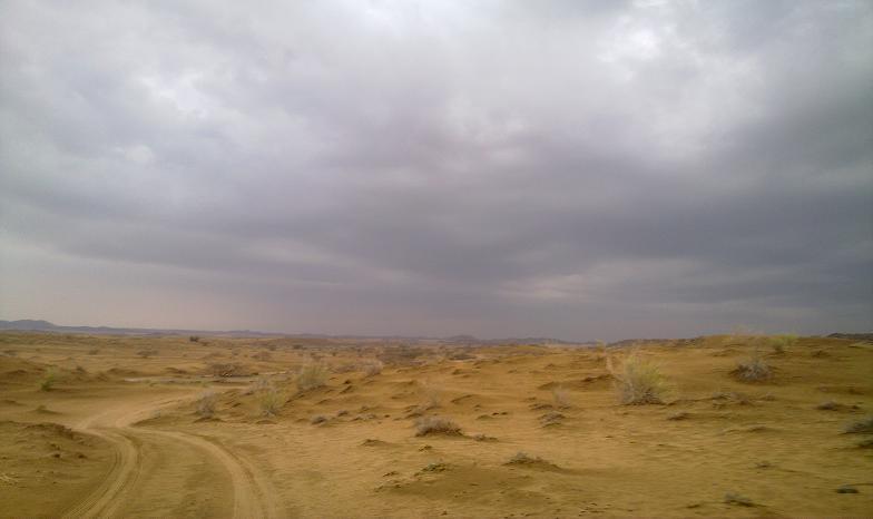 أمطـآر غزيرة وسيـوٍل تقطع الأودية صورة لسيول جنوب مكة) mk98186_11072010194.