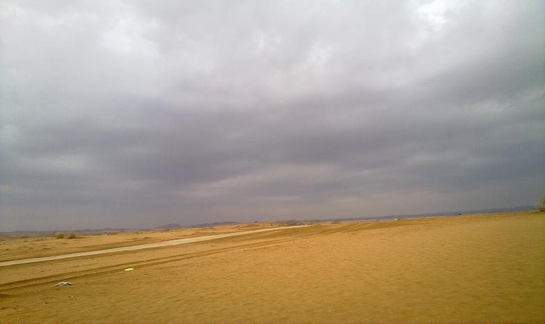 أمطـآر غزيرة وسيـوٍل تقطع الأودية صورة لسيول جنوب مكة) mk98186_11072010197.